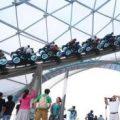 上海迪士尼游乐项目故障 游客吊在半空近半小时