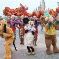 日媒记者游上海迪士尼:游客不文明行为随处可见
