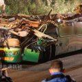 台湾致34死车祸:车体上半部分削平 座椅血迹斑斑