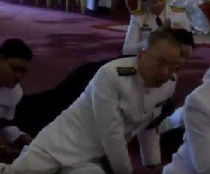 泰国统促会王志民会长及家人悼念九世皇