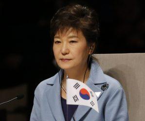 朴槿惠面临13项指控 法院本月10日或13日作出裁决