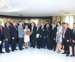 中国-东盟教育交流周组委会访问团到访泰国统促会