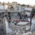 叙利亚平民战场废墟上摆长桌宴 苦乐杂陈