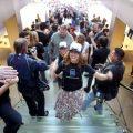 iPhone上市十年后,还记得当年排队抢购的场景吗?