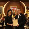 CIMB银行副总看望泰国统促会会长王志民