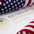 美国再抬高移民门槛:2027年合法移民数减少至50万