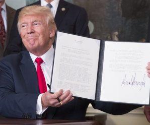 特朗普威胁让美国政府关门 美股小幅下跌