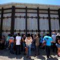 特朗普要求墨西哥支付边境墙费用 墨政府:绝不付!