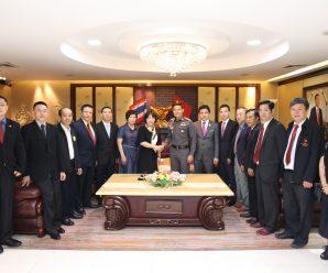 广东侨联副主席谢惠蓉率团到访泰国统促会