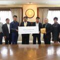 泰国统促会常务副会长任新建向曼谷市捐款