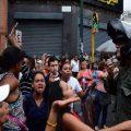 债务违约迫近 委内瑞拉变得更乱了