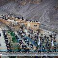 塔利班武装分子在深山学校提枪监考学生