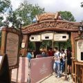 上海迪士尼被指收取天价插队费 VIP团缴2.4万免排队