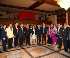 中国驻泰使馆举行开门过大年活动 众侨领出席