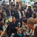 泰国总理巴育抵达普吉救援现场并慰问遇难者家属