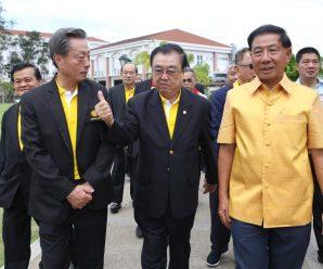 泰国潮州会馆暨九属会馆首长访问东盟普吉泰华学校