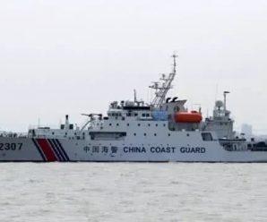 中国海警2307舰艇编队在我钓鱼岛领海内巡航