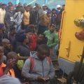 南非两列客运列车相撞 造成至少150人受伤