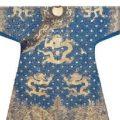 一件乾隆龙袍在英国被拍卖,成交价400多万元买家为中国人