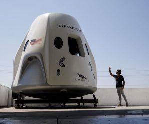 SpaceX首次载人飞船测试发射被延期十天