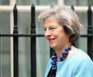 特蕾莎-梅挺过不信任投票 保住党首和首相之位
