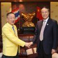 中国侨联主席万立骏阁下一行莅临泰国统促会指导工作