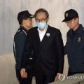 韩国前总统李明博涉贪被判15年 收押349天后获准保释