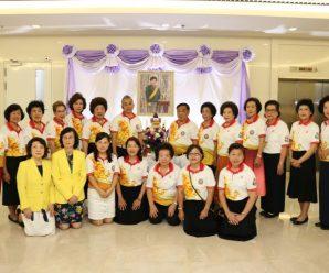 泰国王氏宗亲总会前往朱拉隆功医院为Soamsavali亲王祈福