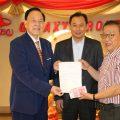 泰国统促会王志民会长向湛江聋人足球队捐款