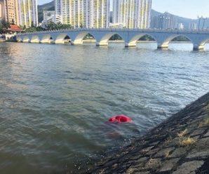 香港民众不满辱国旗者被轻判 呼吁政府提出上诉
