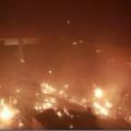 """爆炸、大火、浓烟、弓弩……警方与暴徒在香港理工大学""""激战""""一夜"""