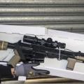 港警缴获AR15步枪有效射程800米,扫射人群可致严重伤亡