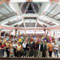 泰国统促会、泰国王氏宗亲总会、泰国华商联合商会向彭改社区捐赠洗手液